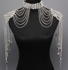 Bridal Couture Steampunk GLAMOUR Crystal Shoulder Neck Choker Body Necklace (I'm picturing pearls and beads) Shoulder Jewelry, Shoulder Necklace, Body Necklace, Mode Costume, Diesel Punk, Neck Choker, Body Jewellery, Silver Jewellery, Silver Ring