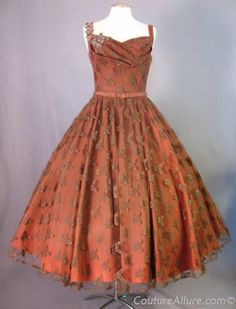 1950s TREMAYNE Full Skirt Dress Butterfly Lace