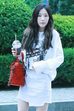 Snsd taeyeon girls generation  Kpop girls fashion