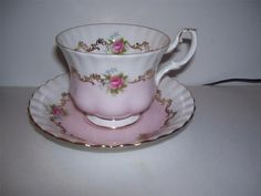 ROYAL ALBERT INVIATATION SERIES PINK/ GOLD ROSE  I love this pattern!