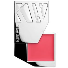 Kjaer Weis Cream Blush blends beautifully on the cheeks for a healthy touch of color with a dewy finish. Luxurious, organic ingredients help enhance your natural beauty: Castor seed oil strengthens th