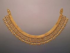 Necklace BC Barrow No. stamped, filigreed, granulation, braided, engraved The State Hermitage Museum: Digital Collection -- Powered by IBM Roman Jewelry, Greek Jewelry, Victorian Jewelry, Antique Jewelry, Vintage Jewelry, Bridal Jewelry, Gold Jewelry, Art Nouveau, Antique Necklace