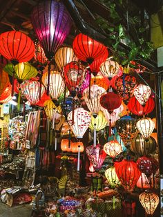 The magic of Hoi An's Lantern Festival // What to see, do and eat when in Hoi An, Vietnam via Känsla