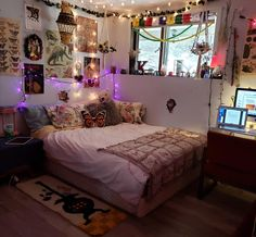 My room makes self-isolation quite enjoyable Chill Room, Cozy Room, Room Ideias, Indie Room Decor, Indie Dorm Room, Indie Living Room, Hipster Bedroom Decor, Cool Room Decor, Decor Diy