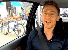 Tom Hiddleston Sings Karaoke in a Car?Watch the Adorable Video and Try Not to Smile! | E! Online Mobile