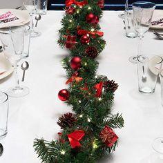 Ghirlanda natalizia Ludvig, ideale come addobbo per il tavolo di Natale! Disponibile subito su Lampade.it, numero articolo: 1522402.