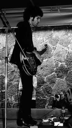 Javier Mejía, Guitarrista de Enjambre | Flickr - Photo Sharing!