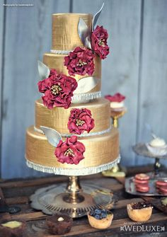 Gorgeous Pink and gold wedding cake
