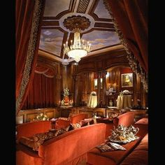 Google Image Result for http://www.design2share.com/storage/Michael_Jackson_mansion_interior.jpg%3F__SQUARESPACE_CACHEVERSION%3D1246119091419