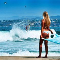 Wish I surf like this...