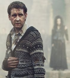 View photos from Harry Potter and the Deathly Hallows: Part 2 with Matthew Lewis, pictured as Neville Longbottom, on IMDb! Harry Potter Quiz, Harry Potter Fan Theories, First Harry Potter, Potter Facts, Harry Potter Characters, Harry Potter World, Matthew Lewis, Deathly Hallows Part 2, Harry Potter Deathly Hallows