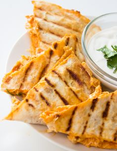 Lightened up Buffalo Chicken Quesadillas - Brunch Time Baker Think Food, I Love Food, Good Food, Buffalo Chicken Recipes, Buffalo Chicken Quesadillas, Buffalo Chicken Wraps, Buffalo Sauce Recipes, Quesadilla Chicken, Chicken Wrap Recipes