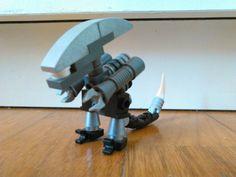 Lego grey xenomorph