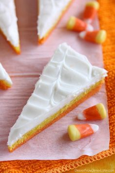 These Candy Corn Sugar Cookie Bars are simple and stunning for your Halloween Party!