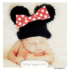 crochet minnie mouse hat   Minnie Mouse Baby Hat - Need to make one for Heather...