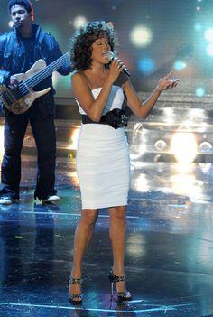 "Whitney Houston Photos - Singer Whitney Houston performs her song ""Million Dollar Bill"" on Italy's ""X Factor"" in Milan. - Whitney Houston Performing On Italy's ""X Factor"""