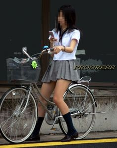 自転車に乗ってるJKのむちむちなふとももがヤバイwwww - パンだチラり