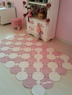 Foto Conny Wiance Foto Conny Wiance The post Foto Conny Wiance appeared first on Teppich ideen. Crochet Doily Rug, Crochet Rug Patterns, Crochet Carpet, Crochet Motifs, Crochet Flowers, Crochet Stitches, Knit Crochet, Knitting Patterns, Tunisian Crochet