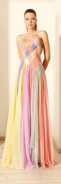 Rami Kadi 2012 only do it in one or two colors. Reminds me of the dress on a cartoon I loved as a child called Lady Lovely Locks! Couture Collection, Dress Collection, Spring Collection, Evening Dresses, Prom Dresses, Formal Dresses, Dress Prom, Wedding Dresses, Dresses 2016