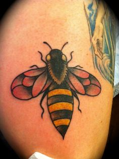 bee by tom kenney, tattoo paradise in dc  @Matt Nickles Nickles Nickles Martin