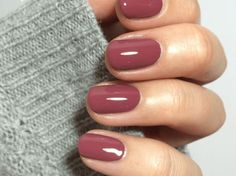 40 Gorgeous Fall Nail Art Ideas To Try This Fall 40 Gorgeous Fall Nail Art Ideas To Try This Fall<br> Are you looking for fall nail designs 2018 that are excellent for fall? See our collection full of fall nail designs acrylic nails. Autumn Nails, Fall Nail Art, Fall Nail Colors, Winter Nails, Fall Nail Polish, Essie Nail Polish, Nail Colors For Pale Skin, Fall Toe Nails, Popular Nail Colors