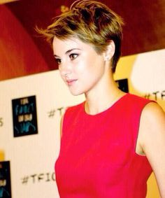 Shailene Woodley - love her short hair!