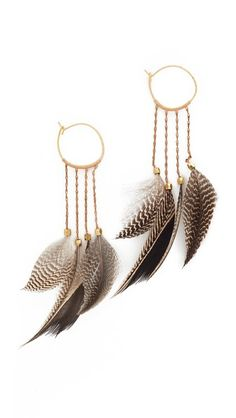 ¡Consigue este tipo de pendiente de Serefina ahora! Haz clic para ver los detalles. Envíos gratis a toda España. Serefina Statement Feather Hoop Earrings: Marbled feathers lend exotic style to these mixed-metal serefina earrings. 14k gold-plated hook-and-eye clasp. Brass. Made in the USA. Measurements Length: 3.75in / 9.5cm THIS ITEM CANNOT BE SHIPPED OUTSIDE THE USA. (pendiente, pendiente, earrings, earring, unerledigt, arete, en cours, in attesa, pendientes)