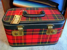 tartan train case - my birthday gift from Team Dee and Devil Doll Scottish Plaid, Scottish Tartans, Vintage Suitcases, Vintage Luggage, Tartan Fashion, Vintage Picnic, Tartan Plaid, Tartan Decor, Train Case