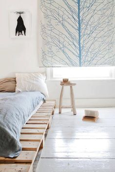 Pallet platform bed. Like the window shade
