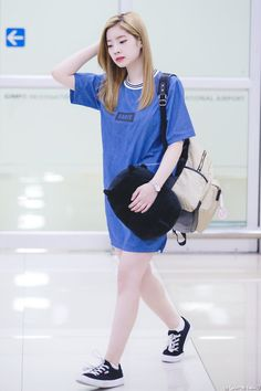 Kim dahyun born into a rich family but has a heart of girl . Korean Girl Fashion, Kpop Fashion, Asian Fashion, Fashion 2017, Airport Fashion, Nayeon, South Korean Girls, Korean Girl Groups, Korean Products
