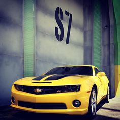 Bumblebee Chevrolet Camaro Johnathan freaked when I scrolled through! He loves this car. Asked if it was a transformer! Chevrolet Corvette Stingray, Car Chevrolet, Chevrolet Camaro, Us Cars, Sport Cars, Vespa, Jaguar, Toyota Rav4 Hybrid, Suv Comparison