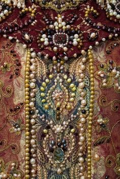 Russian Embroidery: Traditional costume of Russian aristocrats. Russian Embroidery, Beaded Embroidery, Embroidery Designs, Embroidery Fabric, Crazy Quilting, Historical Costume, Historical Clothing, Textiles, Costume Russe
