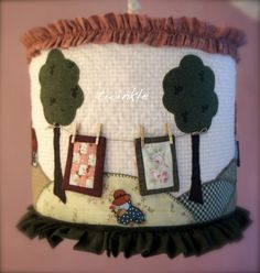 aplikeli avize Lampshade Redo, Felt Kids, Handmade Lampshades, Primitive Stitchery, House Quilts, Sewing Appliques, Twinkle Twinkle Little Star, Felt Christmas, Applique Quilts