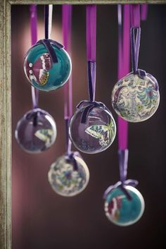 Your bauble game just got seriously strong for Christmas with this gorgeous purple set up!