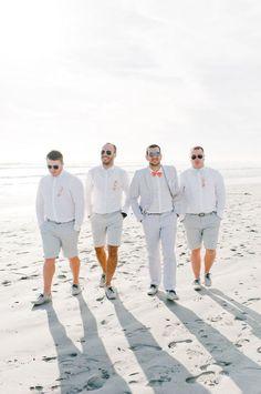 Bruidegom trend 4: Zomer in je korte broek #bruiloft #trouwen #trends #bruidegom #trouwpak #2015 #wedding #groom Spot alle bruidegom trends 2015 op ThePerfectWedding.nl | Credit: Nadia Meli