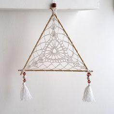 Dream Catcher Mobile, Dream Catcher Craft, Crochet Home, Cute Crochet, Crochet Mandala Pattern, Crochet Patterns, Crochet Projects, Craft Projects, Crochet Dreamcatcher