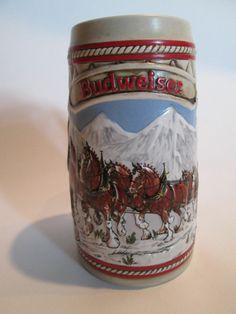 1985 Budweiser Clydesdales Christmas Holiday Mug Stein A SERIES Ceramante Brazil Budweiser Steins, Beer Mugs, Coffee Mugs, Oktoberfest Beer, Clydesdale, Rose Wallpaper, I Love Coffee, Vintage Dolls, Drinking Tea
