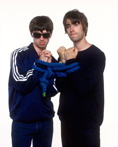 Noel and Liam Gallagher Liam Gallagher Noel Gallagher, Oasis Music, Liam And Noel, Oasis Band, 90s Pop Culture, Minimalist Music, Great Minds Think Alike, Fly On The Wall, Britpop