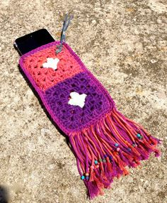 collection 'SanO'... smartphone cover granny square par hooknhula, $20.00 Smartphone Covers, Hula, Bags, Collection, Etsy, Handmade Gifts, Unique Jewelry, Handbags, Bag
