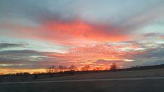 Saliendo del Estado de Missouri a Kansas con su espectacular entrada del sol.