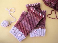 Fingerless Gloves, Arm Warmers, Etsy Shop, Fimo, Quadrilateral, Tulips, Breien, Patterns