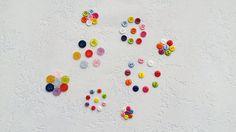 Balíček knoflíků (64 ks) Plastové kulatéknoflíky se dvěma ase čtyřmi dírkami. Průměr knoflíků - 6, 9 a 11 mm. Množství: knoflíkyse dvěma dírkami, průměr 6 mm - 16 ks knoflíkyse dvěma dírkami, průměr 9 mm - 17 ks knoflíkyse čtyřmi dírkami, průměr 9 mm - 17 ks knoflíkyse čtyřmi dírkami, průměr 11 mm -14 ks Cena za balíček (64 ks). Zaslání ... Summer Flowers, Sprinkles, Candy, Candles, Candy Bars