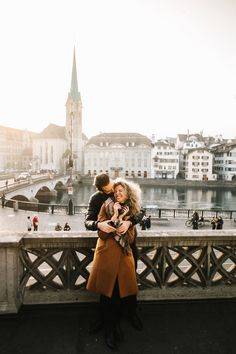intimate couple photo shoot prior to sunset in Zurich Bendik Photography
