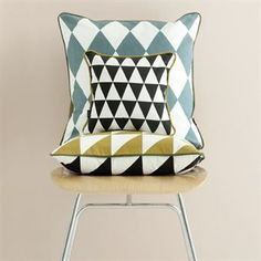 Large geometry tyyny - petrooli - Ferm Living