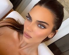 Kendalll Jenner, Kardashian Jenner, Makeup Inspo, Makeup Inspiration, Beauty Make Up, Hair Beauty, Women's Beauty, Kendall Jenner Icons, Le Style Du Jenner