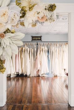 the etiquette of wedding dress shopping