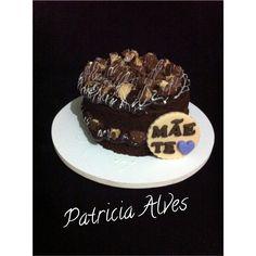 Mini naked cake chocolate com recheio de Brigadeiro com sonho de valsa.