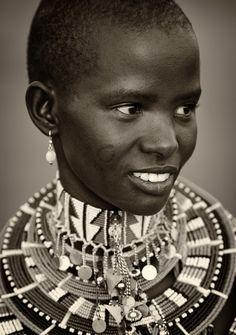 Pretty Maasai Woman with traditional clothing. African Tribes, African Women, Kenya, Tanzania, Bald Women, Tribal People, Black Artwork, Portraits, Girls Rules