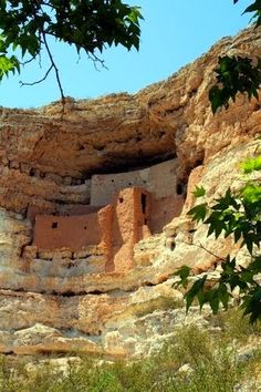 Montezuma Castle National Monument, located near Camp Verde, Arizona, in the Southwestern United States, features well-preserved cliff-dwellings. They were built and used by the Pre-Columbian Sinagua people, northern cousins of the Hohokam,[4] around 700 AD.