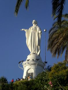 La Inmaculada Concepción. Cerro San Cristobal, Santiago Chile, Easter Island, Traveling With Baby, Statue Of Liberty, Places Ive Been, Spaces, Temples, Saint Christopher, Monuments